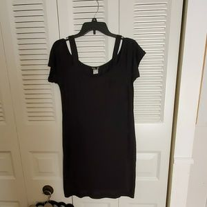 ADORABLE NWOT open shoulder t shirt dress